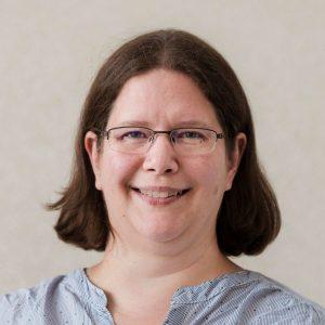 Dr. Claudia Halmer