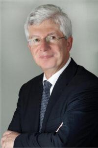 Prof. Dr. Michael Frass ist Facharzt für Innere Medizin mit dem Zusatzfach internistische Intensivmedizin.